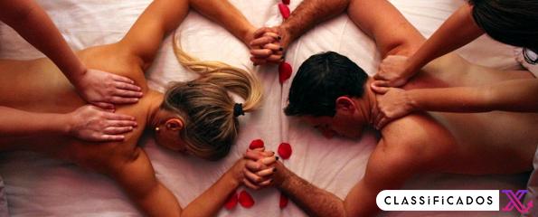 Casal de massagens eróticas