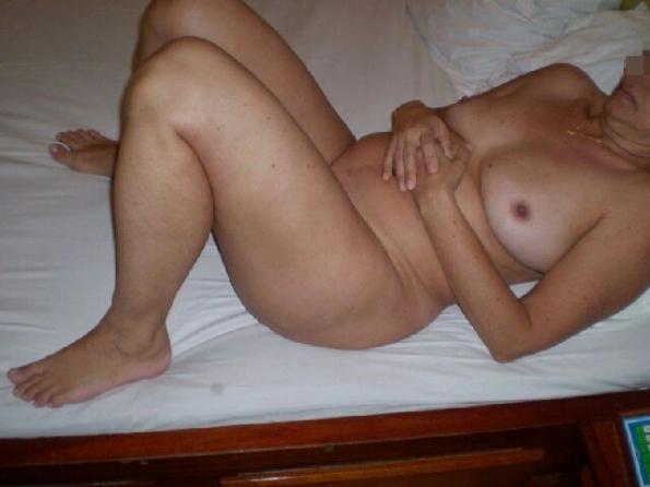 mulheres nuas motel famalicão